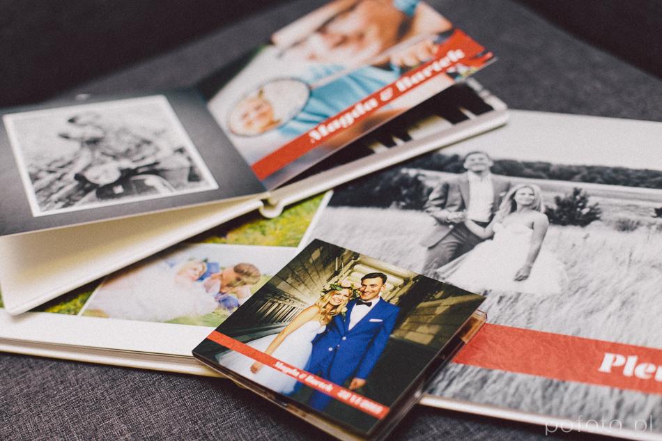 fotoalbumy ślubne i okładki DVD wchodzące w skład pakietu ślubnego pofoto
