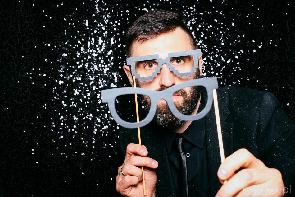 fotobudka i okulary do pozowania